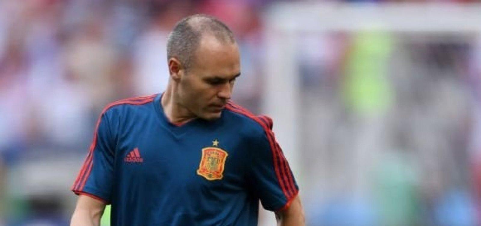 dabafa5631 Iniesta anuncia aposentadoria da seleção espanhola após eliminação ...