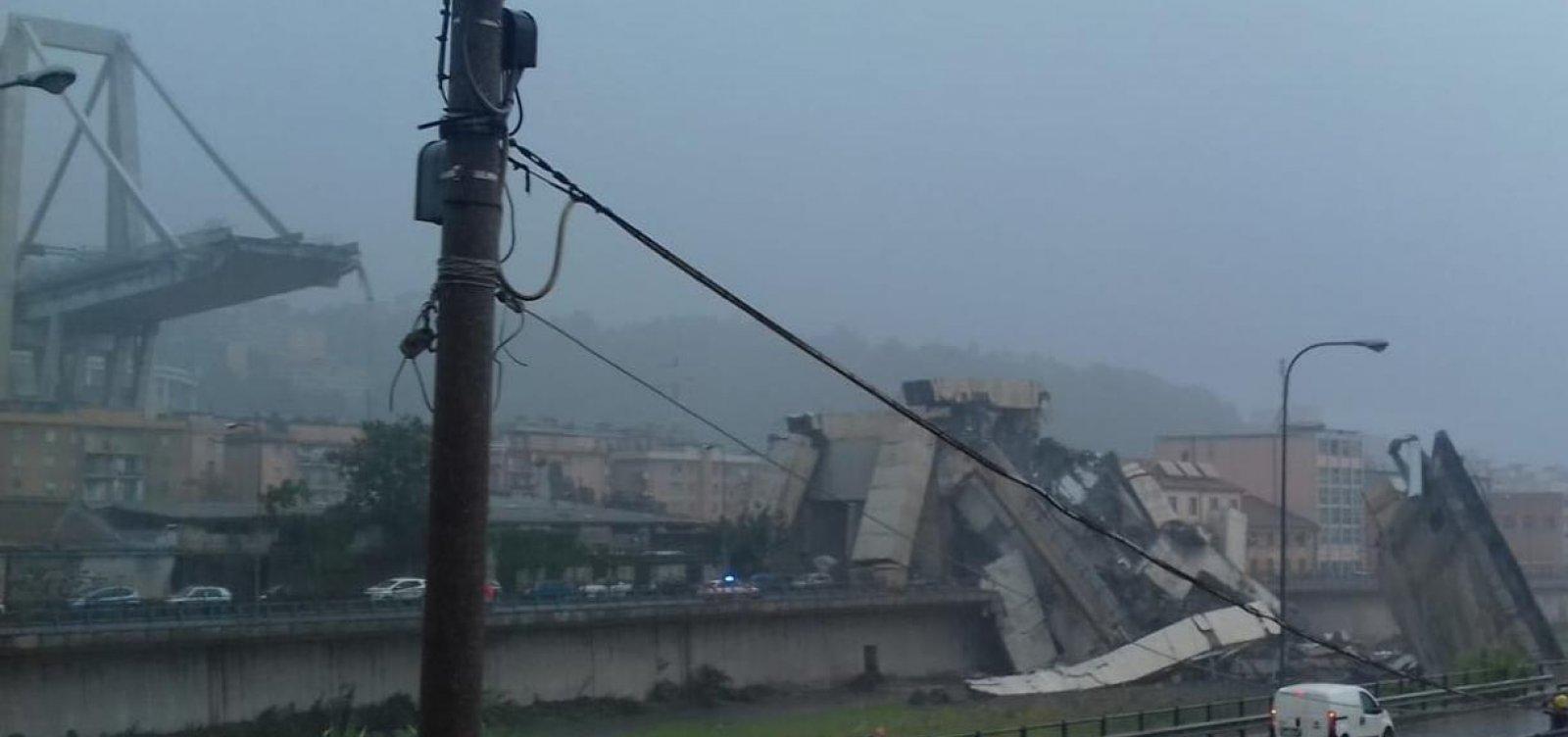 Resultado de imagem para Ponte desmorona em Gênova, na Itália, e deixa mais de 20 pessoas mortas