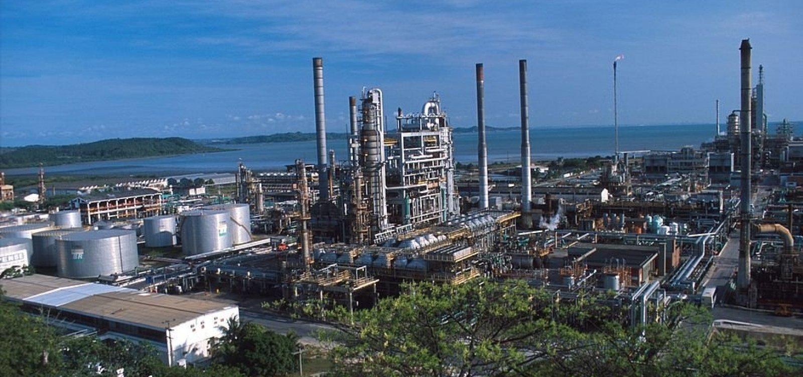 Resultado de imagem para Petrobras e Cade vão assinar, ainda este mês, acordo para vender refinarias