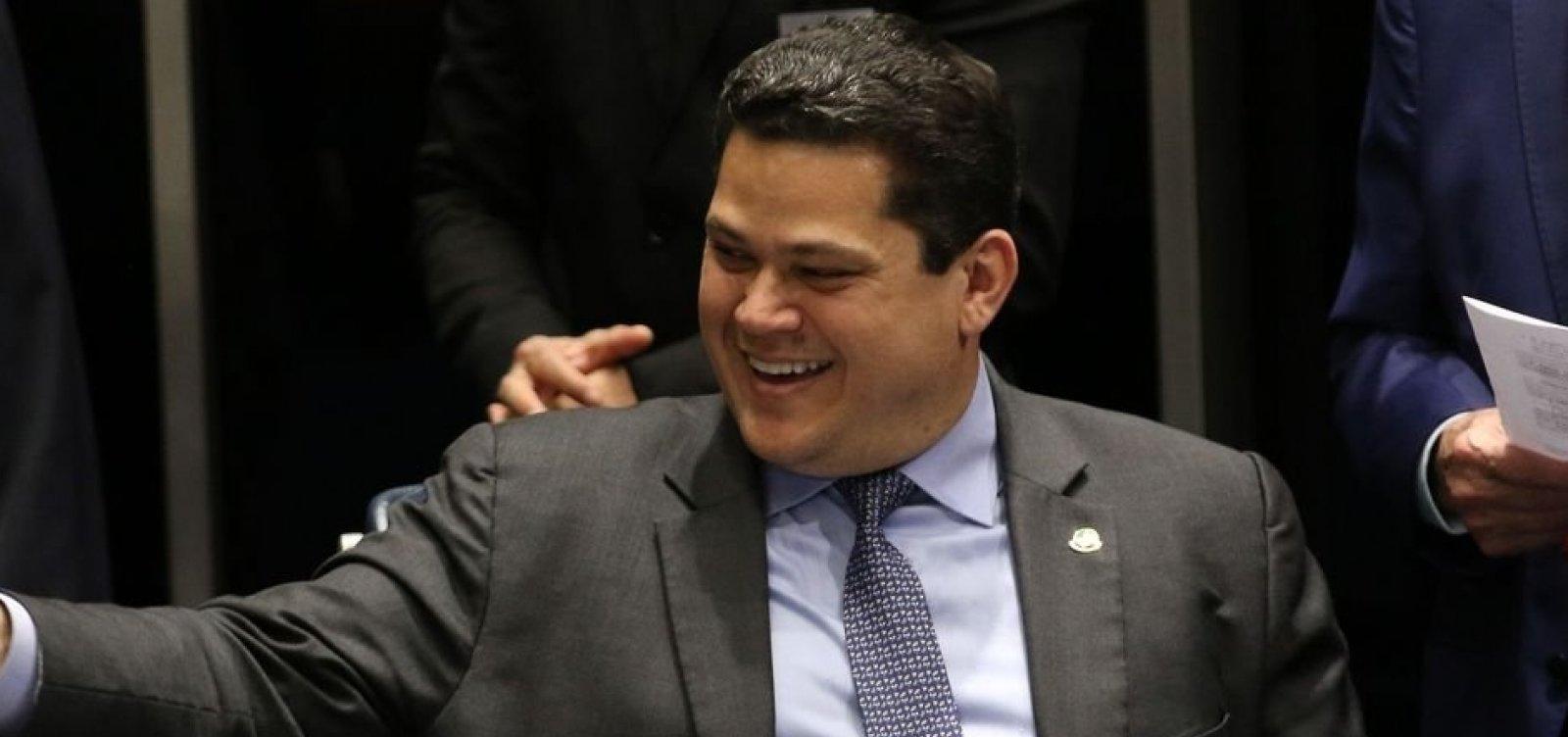 Alcolumbre briga na Justiça para que senadores mantenham sigilo de gastos -  Metro 1
