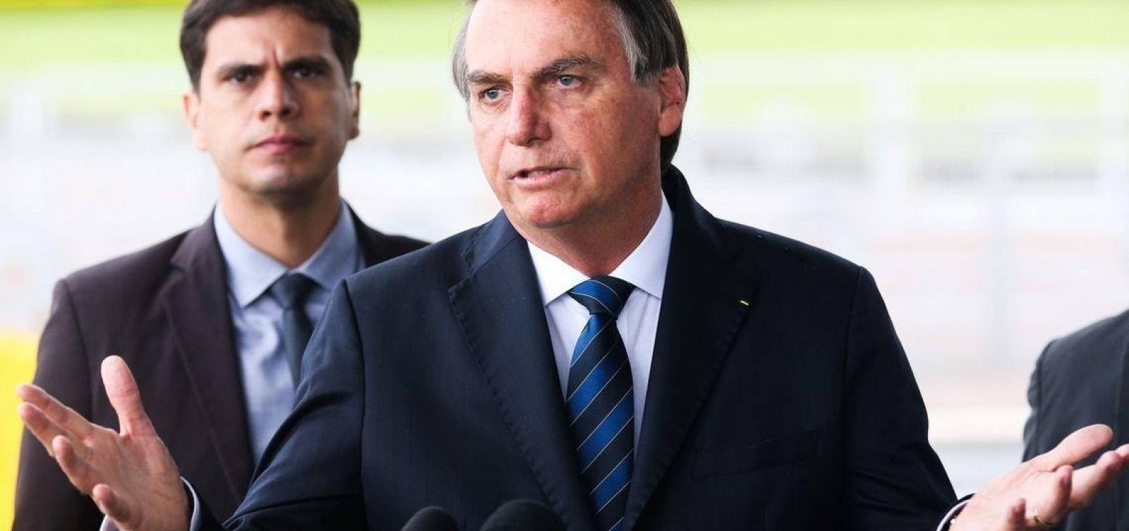 Resultado de imagem para Apoio à democracia cai no primeiro ano do governo Bolsonaro, diz Datafolha