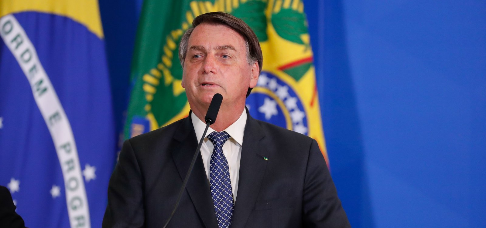 Bolsonaro diz que jornalistas são 'bundões' e têm mais chances de ...