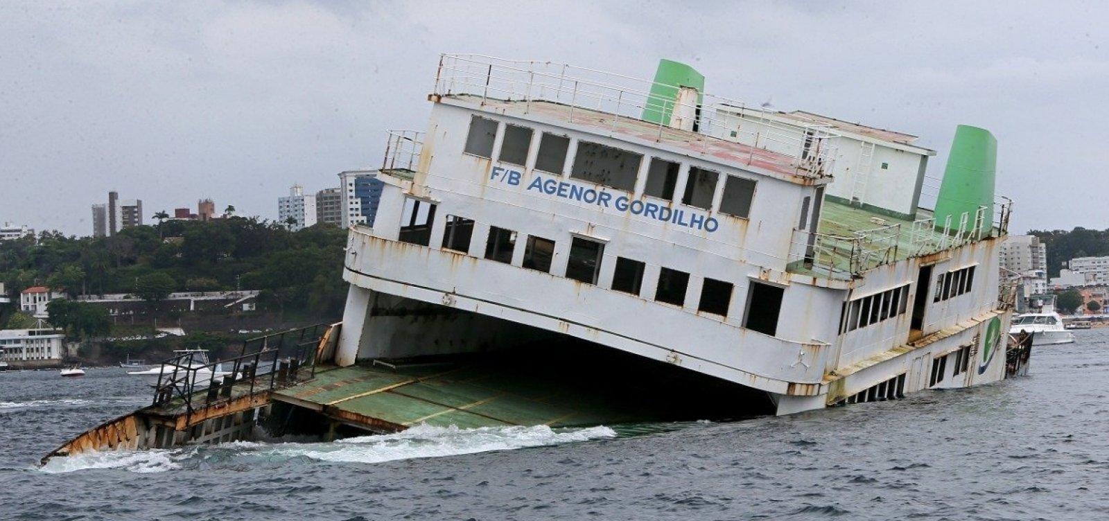 [Ferry-boat Agenor Gordilho é afundado na Baía de Todos-os-Santos]