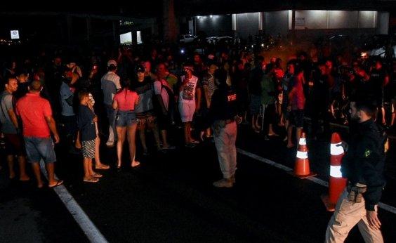 [Sem luz há 21 dias, moradores do Amapá sofrem com temporal]