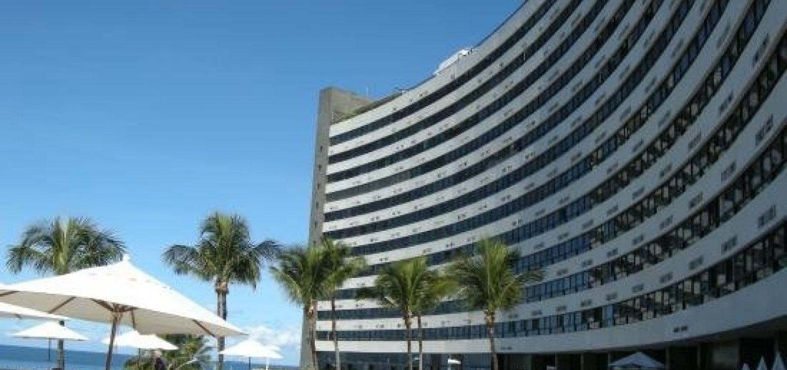 [Turista morre após cair do 7º andar do Ondina Apart Hotel ]