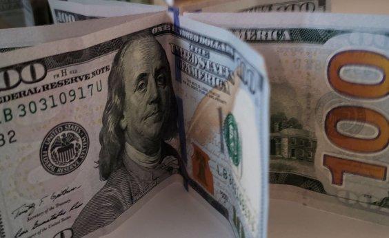 [Dólar fecha em alta negociado a R$ 5,34]