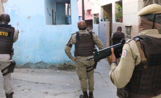 [Ação integrada detém cinco suspeitos de integrar facção criminosa no Nordeste de Amaralina]