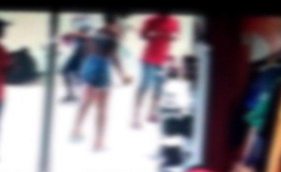 [Adolescente atingida por substância corrosiva em Feira de Santana fica com queimaduras no corpo]
