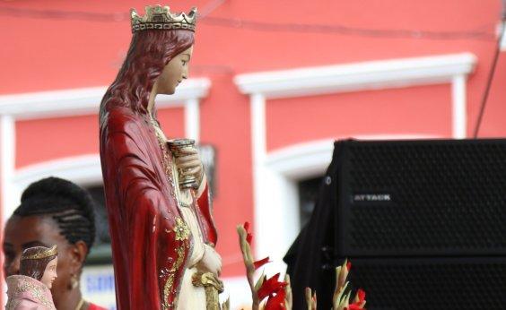 [Festejos para Santa Bárbara são adaptados por conta da pandemia do coronavírus]