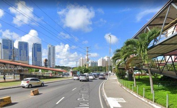 [Obras na Av. Tancredo Neves alteram itinerário de linhas de ônibus a partir deste sábado ]