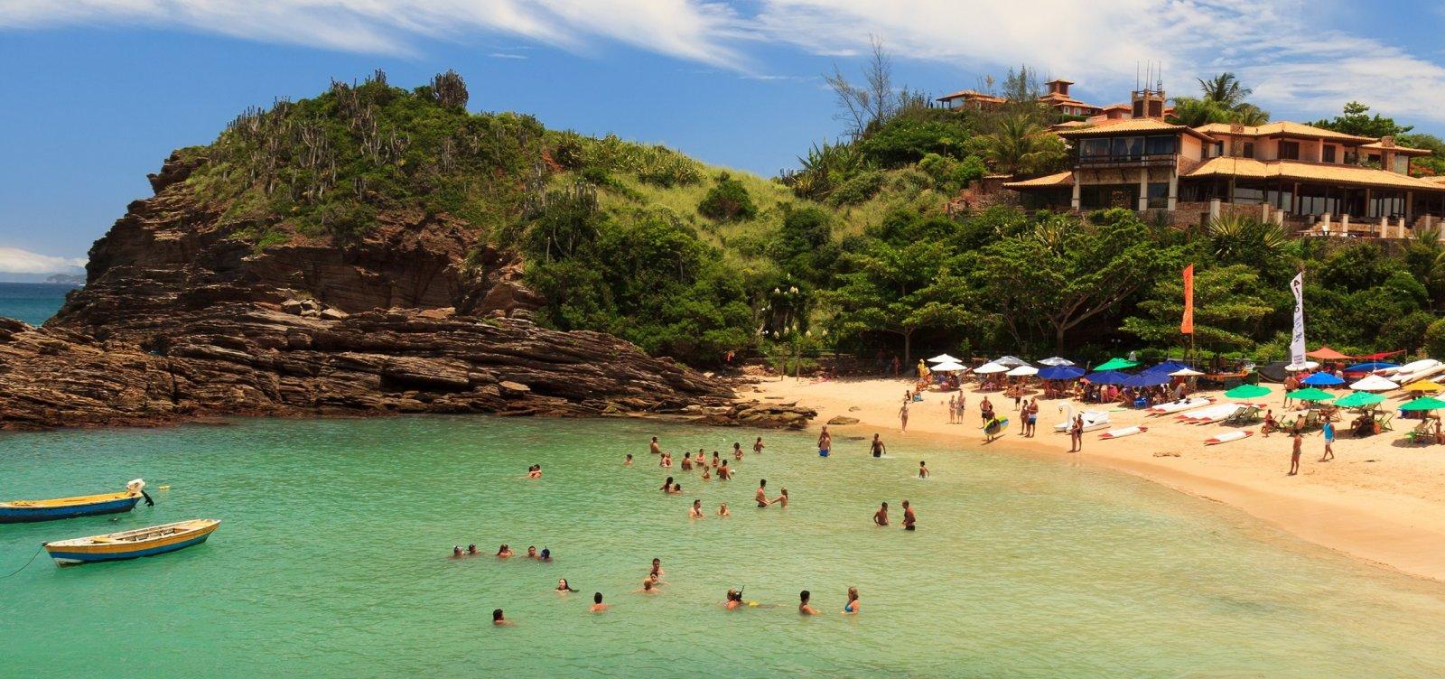 [Rio de Janeiro: Turistas têm 72 horas para sair de Búzios]