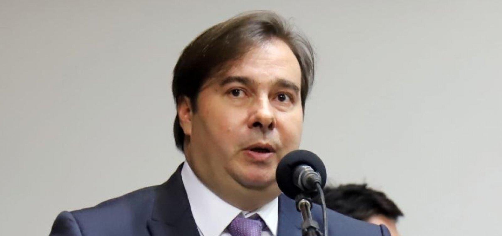 [Maia rebate Bolsonaro: 'Guedes confirmou que o presidente é mentiroso']