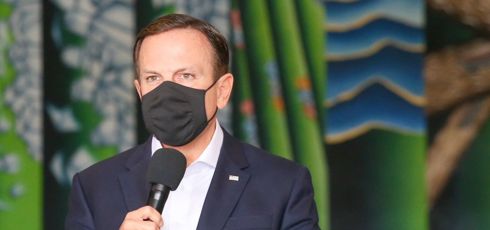 [Doria, governador de São Paulo, pede desculpas por viagem à Miami no dia do anúncio de restrições no estado]