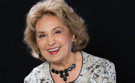[Eva Wilma é internada com pneumonia em São Paulo]