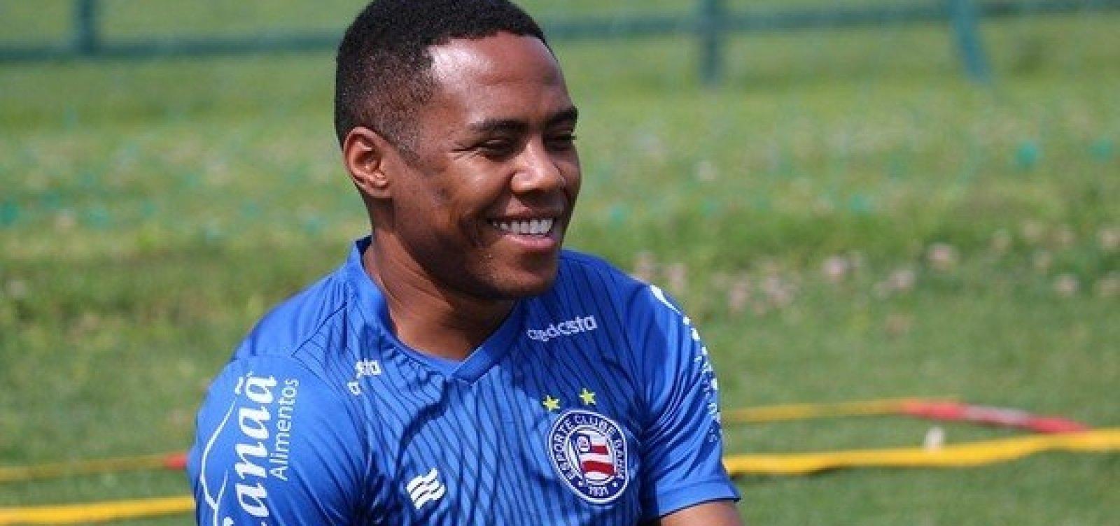 [Fora dos planos do técnico Dado Cavalcanti, Bahia rescinde contrato com volante Elias]