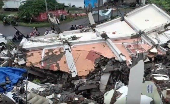 [Número de mortes em terremoto na Indonésia sobe para 56]