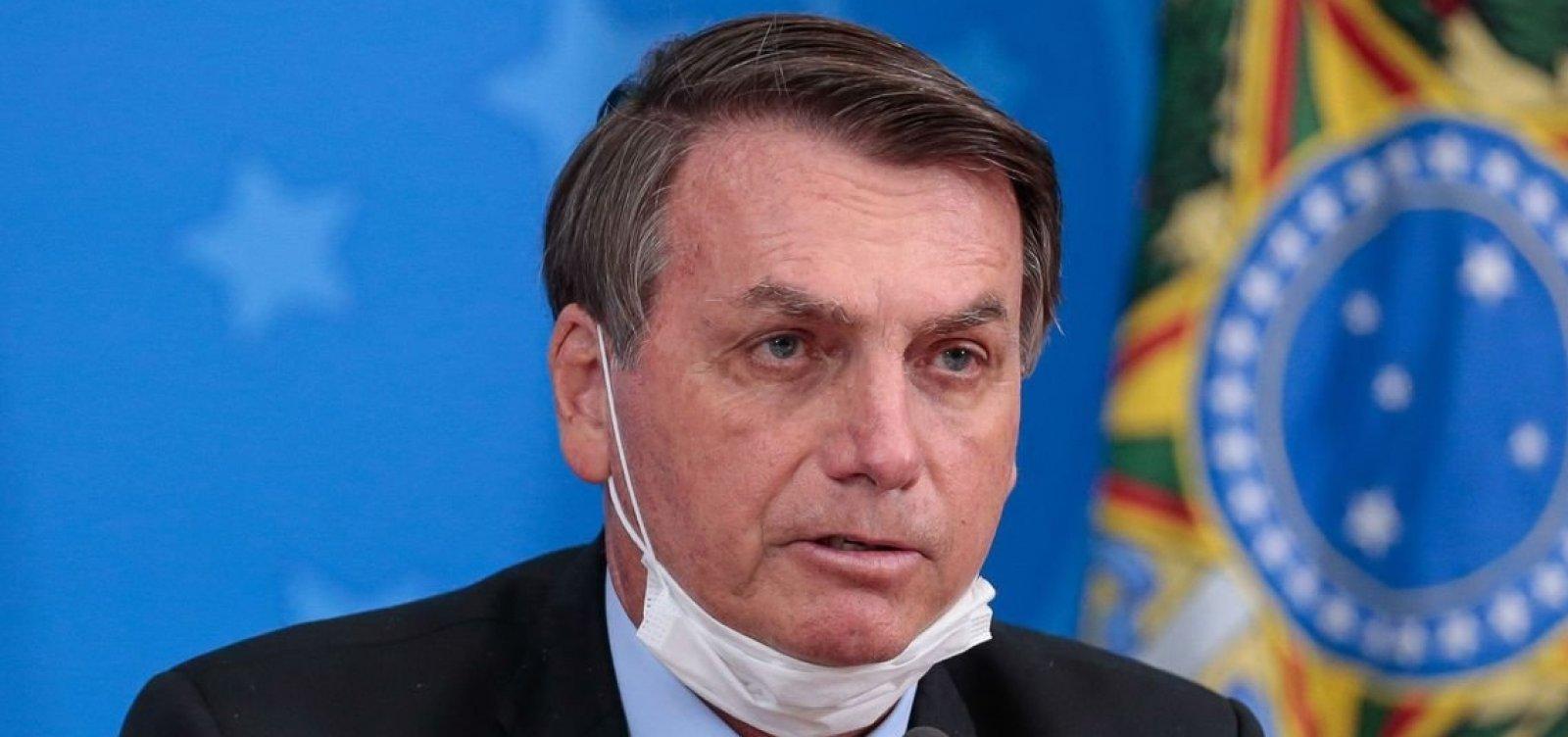 ['Quem decide se um povo vai viver na democracia ou na ditadura são as suas Forças Armadas', diz Bolsonaro]