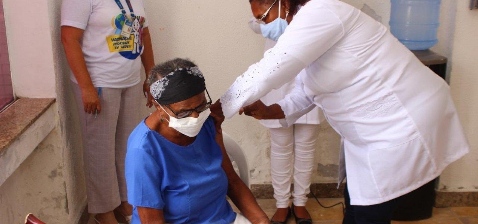[Prefeitura estima esgotamento de vacinas em Salvador na próxima terça-feira]