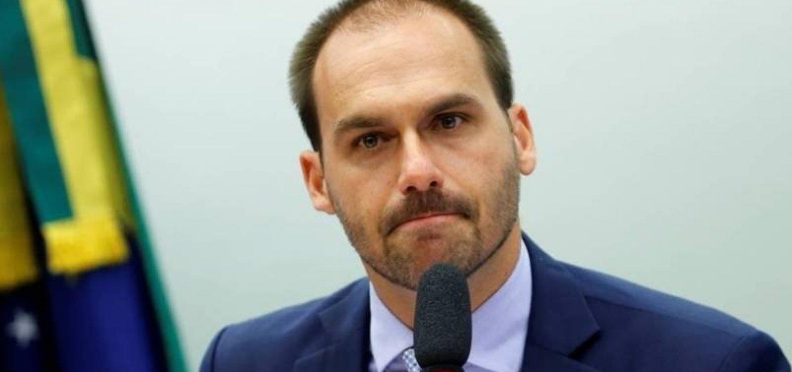 [Justiça condena Eduardo Bolsonaro a indenizar jornalista Patrícia Campos Mello por danos morais ]