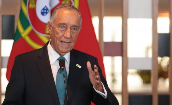 [Marcelo Rebelo de Sousa é reeleito presidente de Portugal com 60,7% dos votos]
