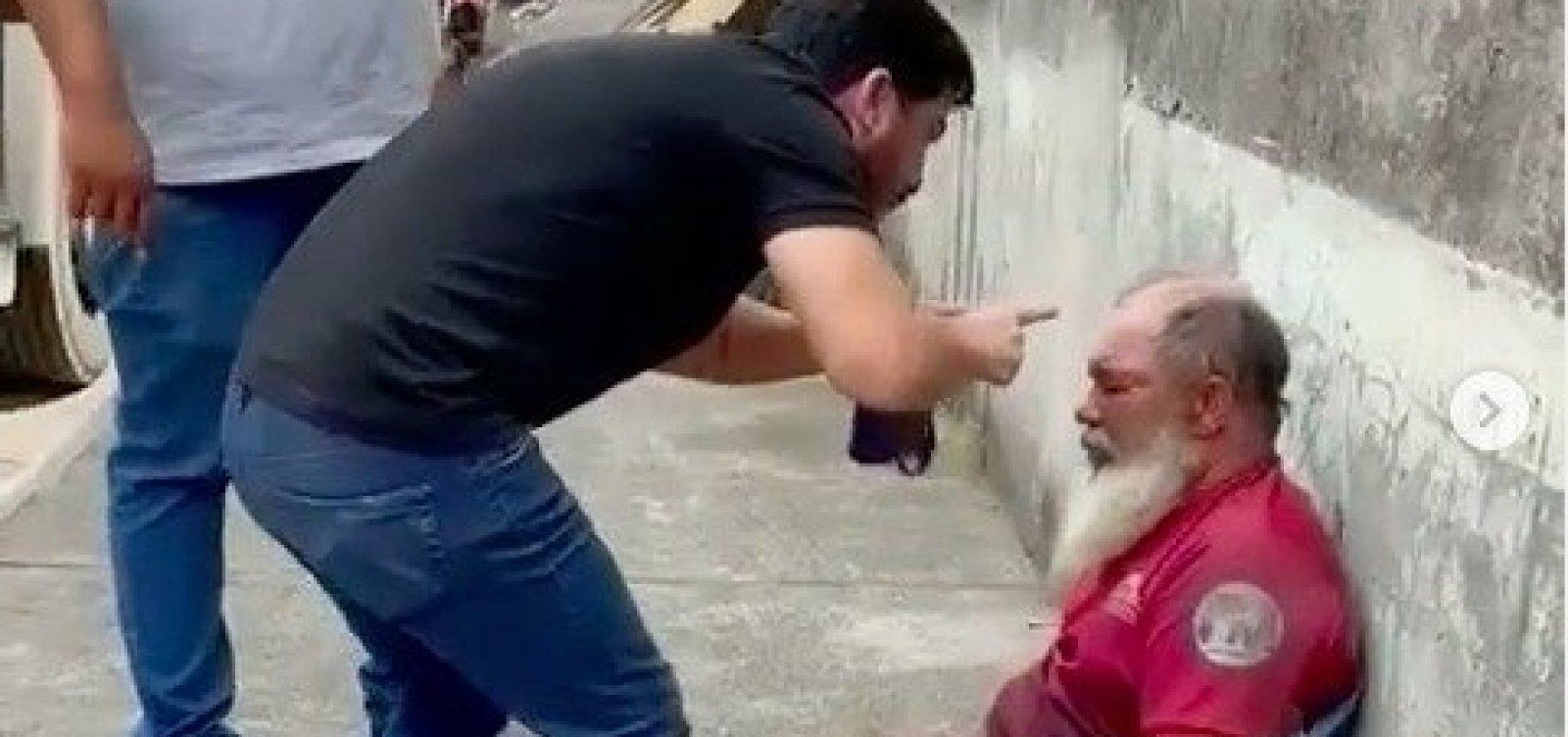 [Deputado cassado Marcell Moraes filma e divulga agressão a homem acusado de espancar animal]