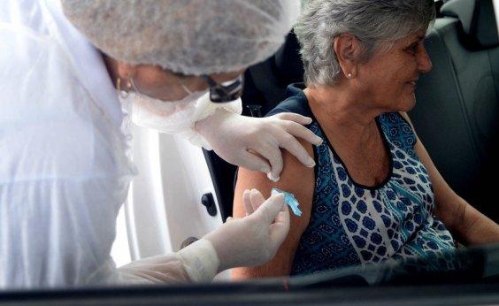 [Salvador inicia vacinação contra Covid-19 por drive-thru]