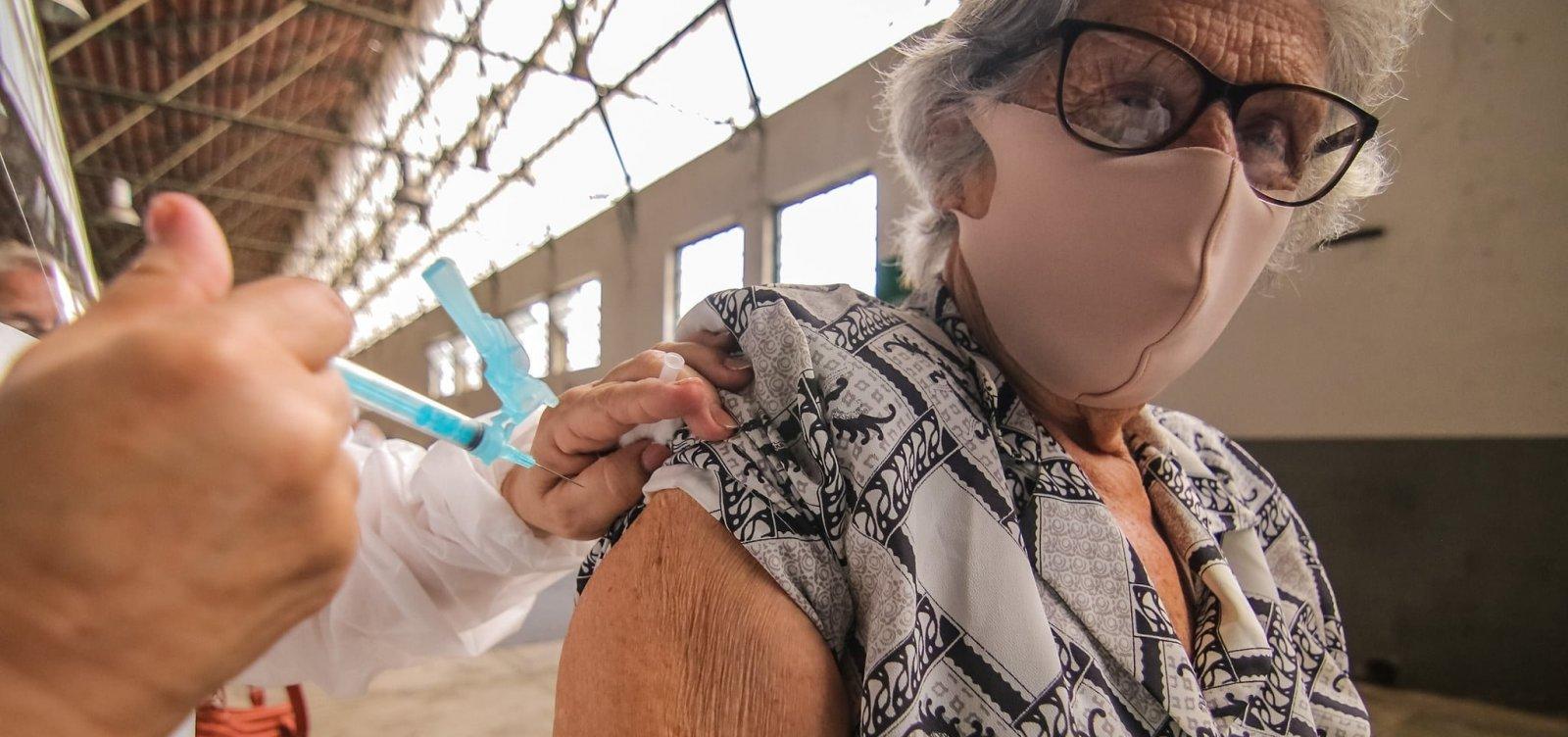 [Rio de Janeiro começa vacinação de idosos contra Covid-19]