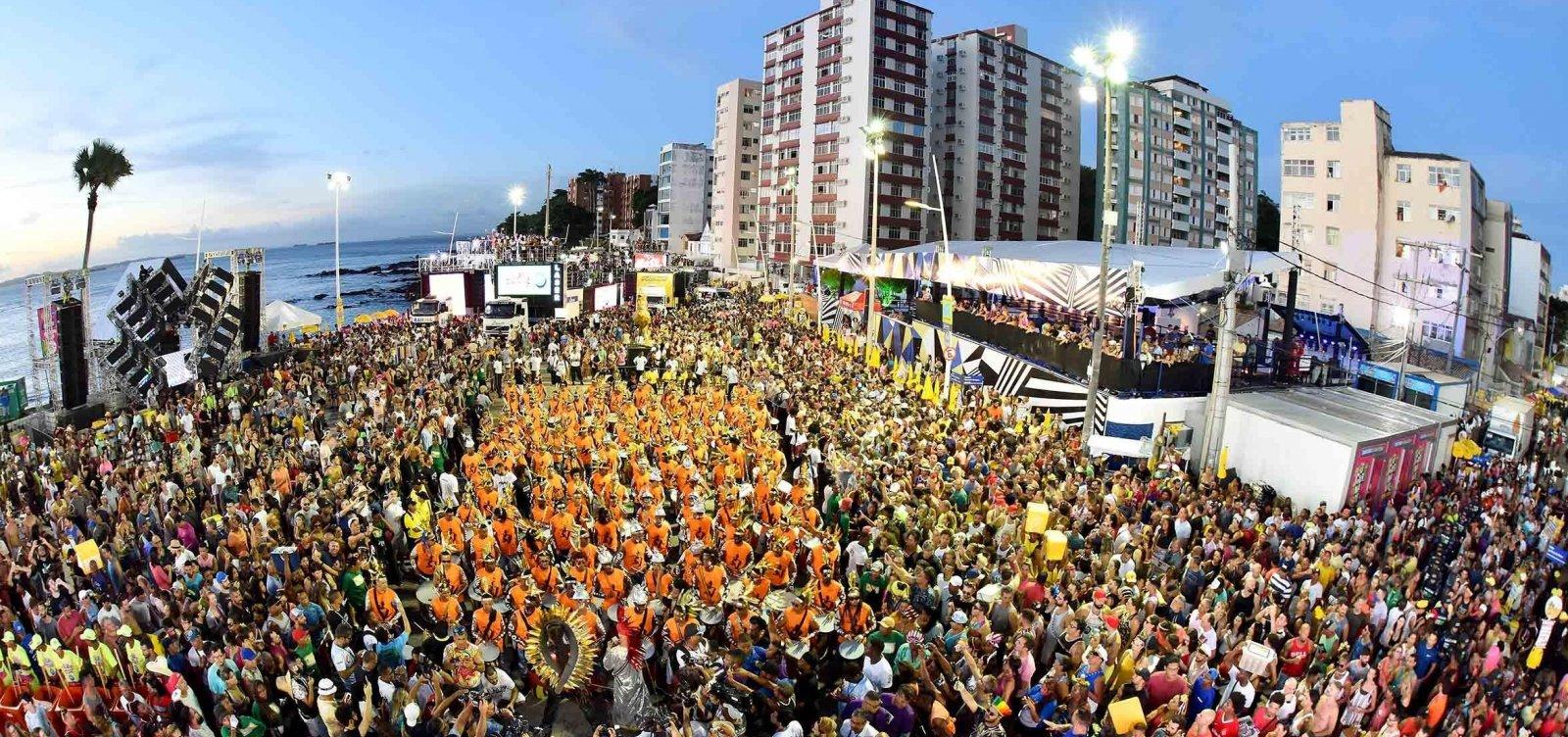 [Com festa cancelada e lives, foliões aguardam 'Carnaval diferente']
