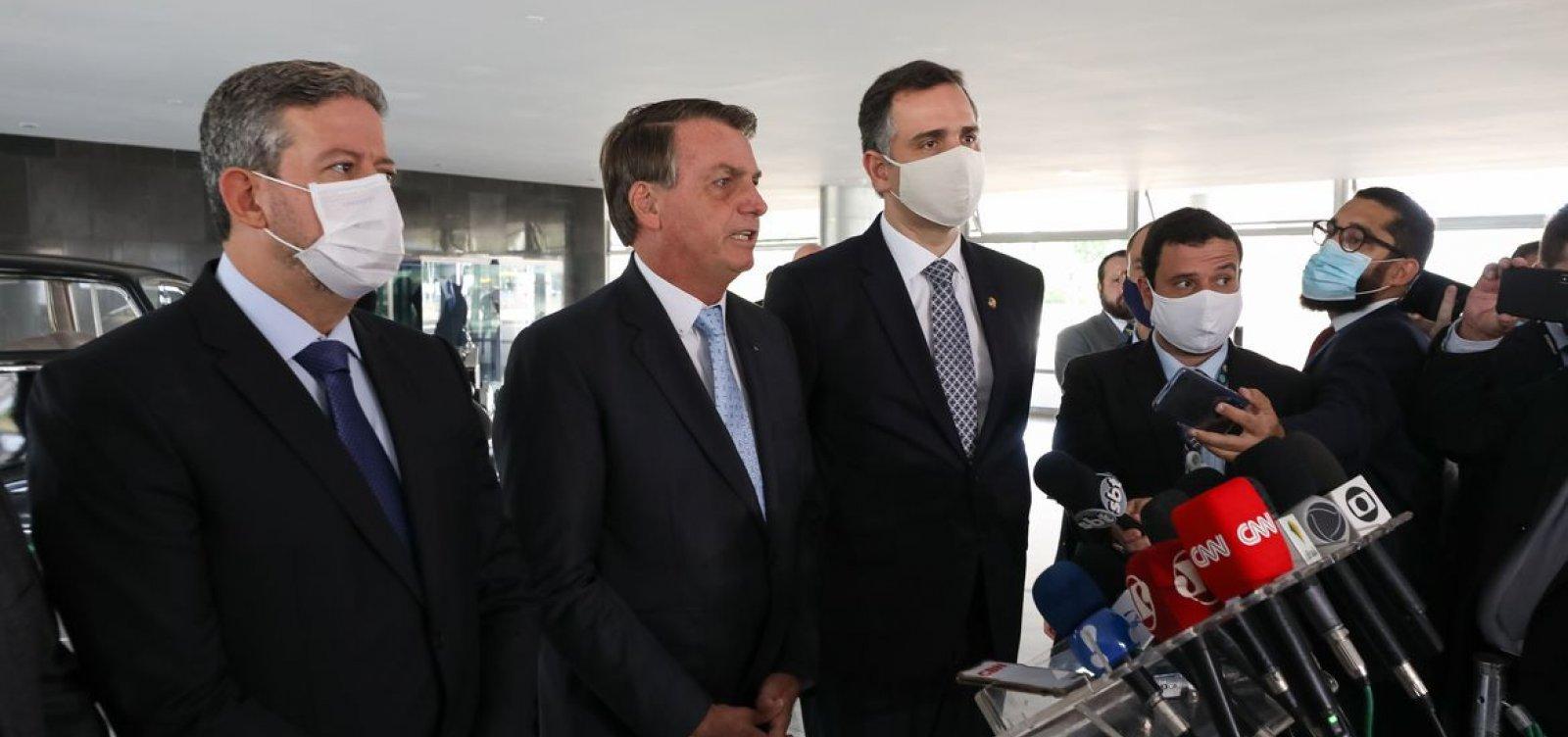 [Bolsonaro inclui em lista enviada ao Congresso prioridade para projetos sobre armas]