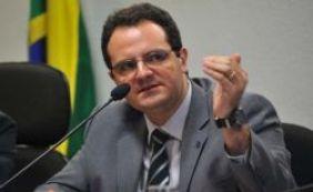 [Ministro avalia proposta para planos de saúde pagarem por pacientes do SUS]