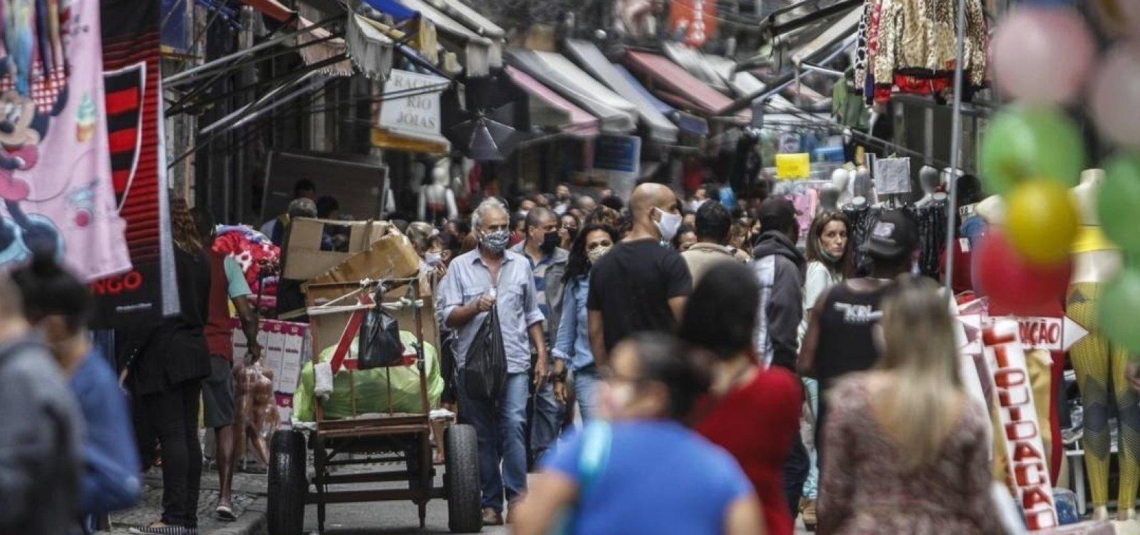 [Coronavírus: Brasil tem doses para vacinar ¼ da população prioritária no 1º trimestre]