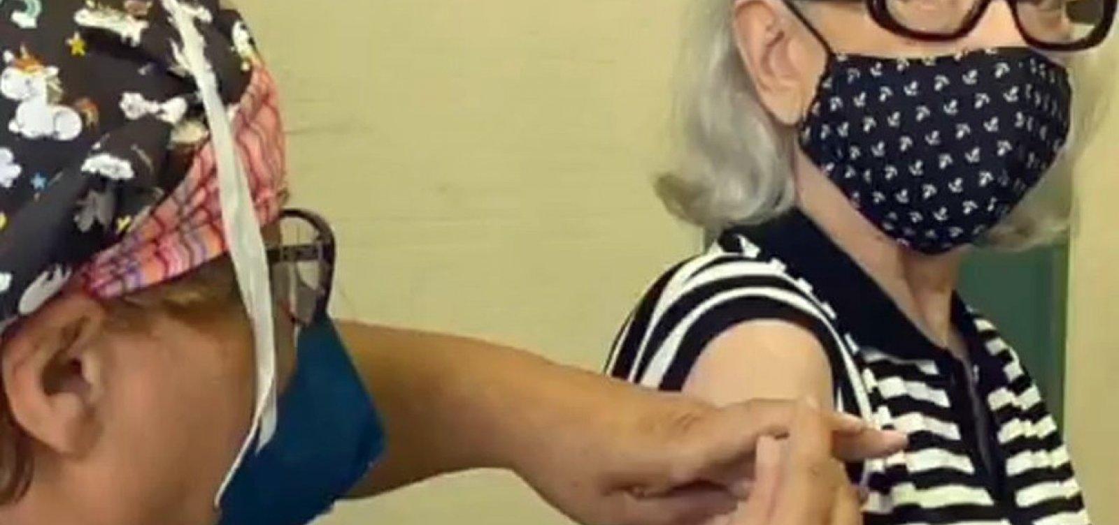 [Fernanda Montenegro é vacinada contra a Covid-19 no Rio de Janeiro]