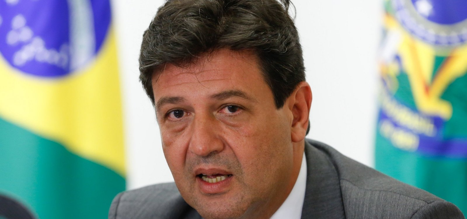 [Após DEM se aproximar de Bolsonaro, Mandetta avalia deixar sigla]