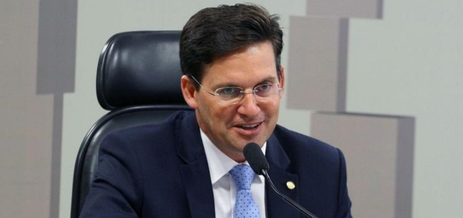 [Bolsonaro nomeia João Roma para Ministério da Cidadania]