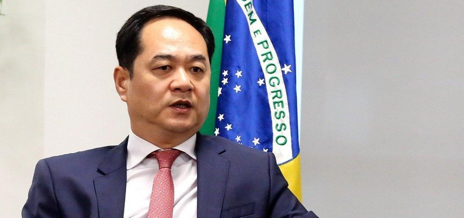 [Governo chinês ignora Bolsonaro sobre troca de embaixador do país no Brasil]