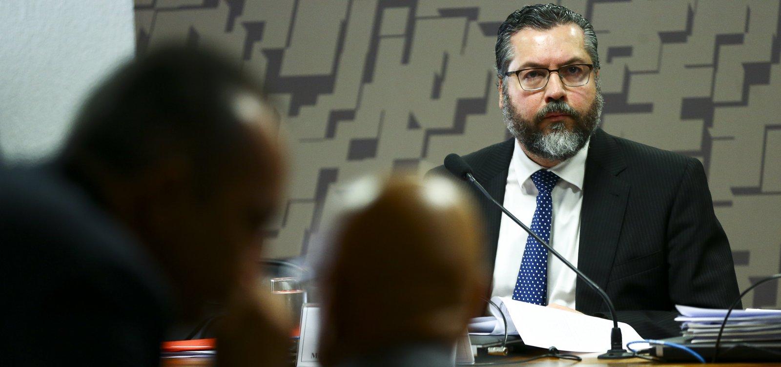 ['02 do Itamaraty': secretário do governo substitui Ernesto Araújo em missões diplomáticas]