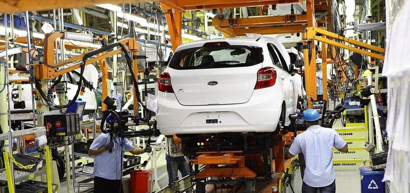 [Acordo decide pela volta ao trabalho de funcionários da Ford em Camaçari]