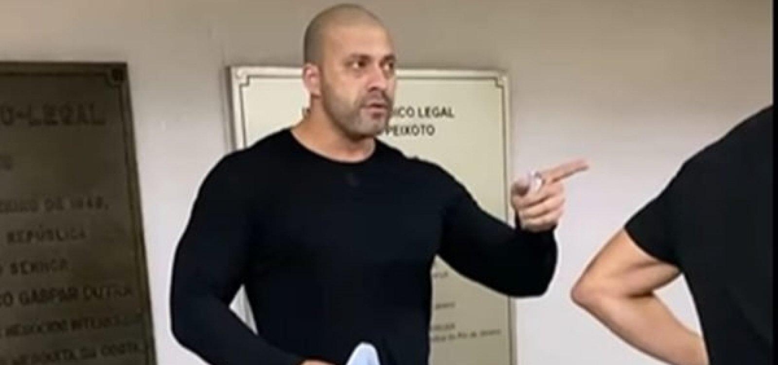 [PGR pede ao STF abertura de inquérito para investigar Silveira por suposto desacato]