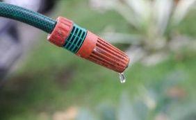 [Fornecimento de água acontece a cada 15 dias por falta de chuva em Itabuna]