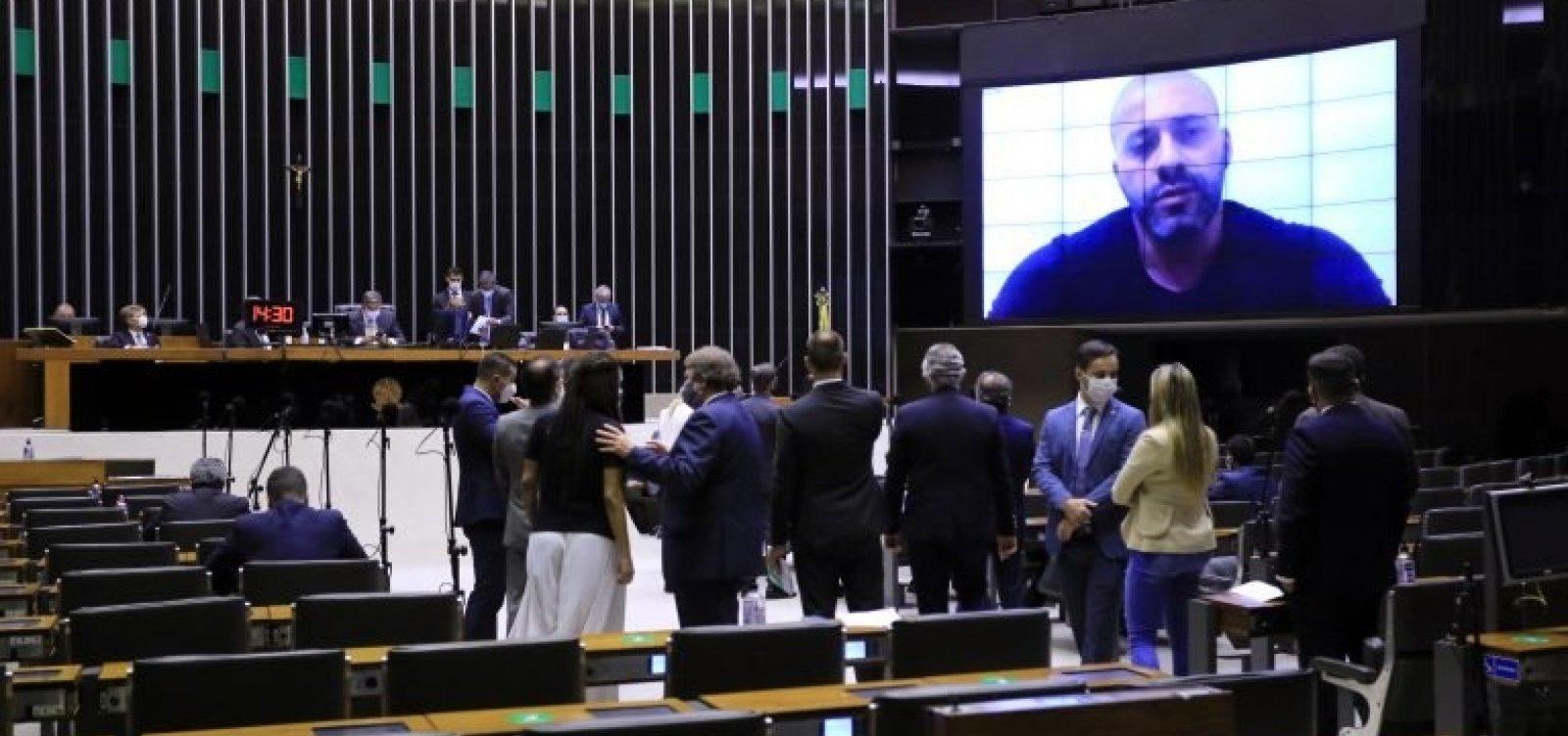 [Câmara confirma decisão do STF e mantém prisão de deputado bolsonarista]