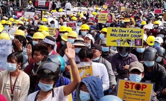 [Pelo menos duas pessoas morrem em repressão a protesto contra golpe militar em Mianmar]