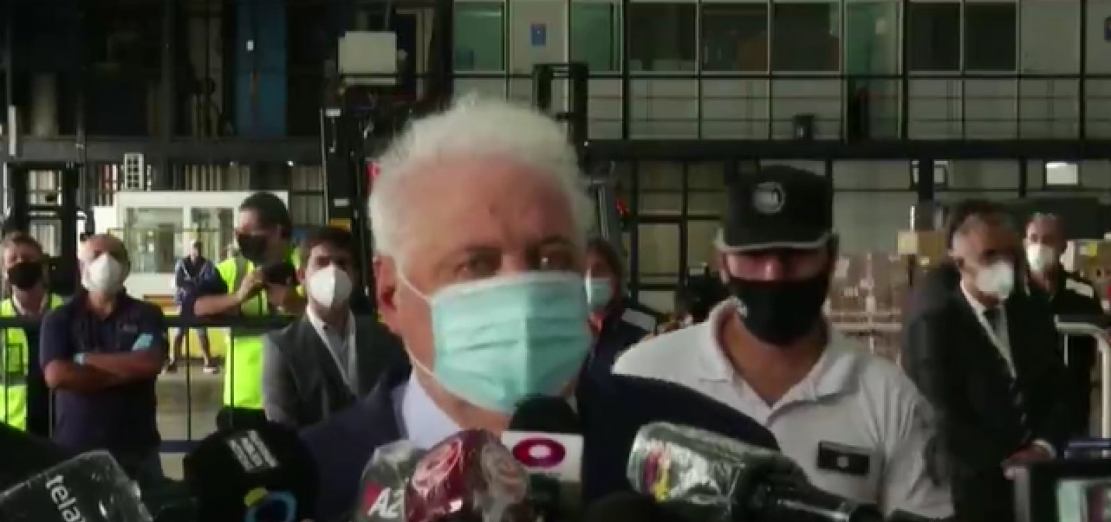 [Ministro da Saúde argentino renuncia após escândalo com desvio de vacinas]
