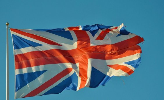 [Reino Unido promete vacinar toda população contra Covid-19 até julho]