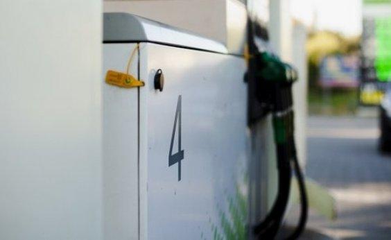 [Governo obriga postos a informarem em painel composição do preço dos combustíveis]