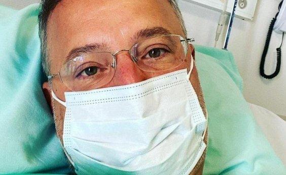 [Secretário de Saúde da Bahia internado com Covid-19 sai da UTI e volta para quarto em hospital]