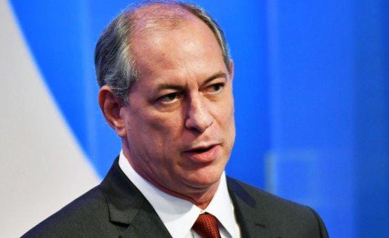 [Ciro critica decisão do STJ sobre Flávio Bolsonaro: 'Rasgaram uma evidência de que ele é ladrão']