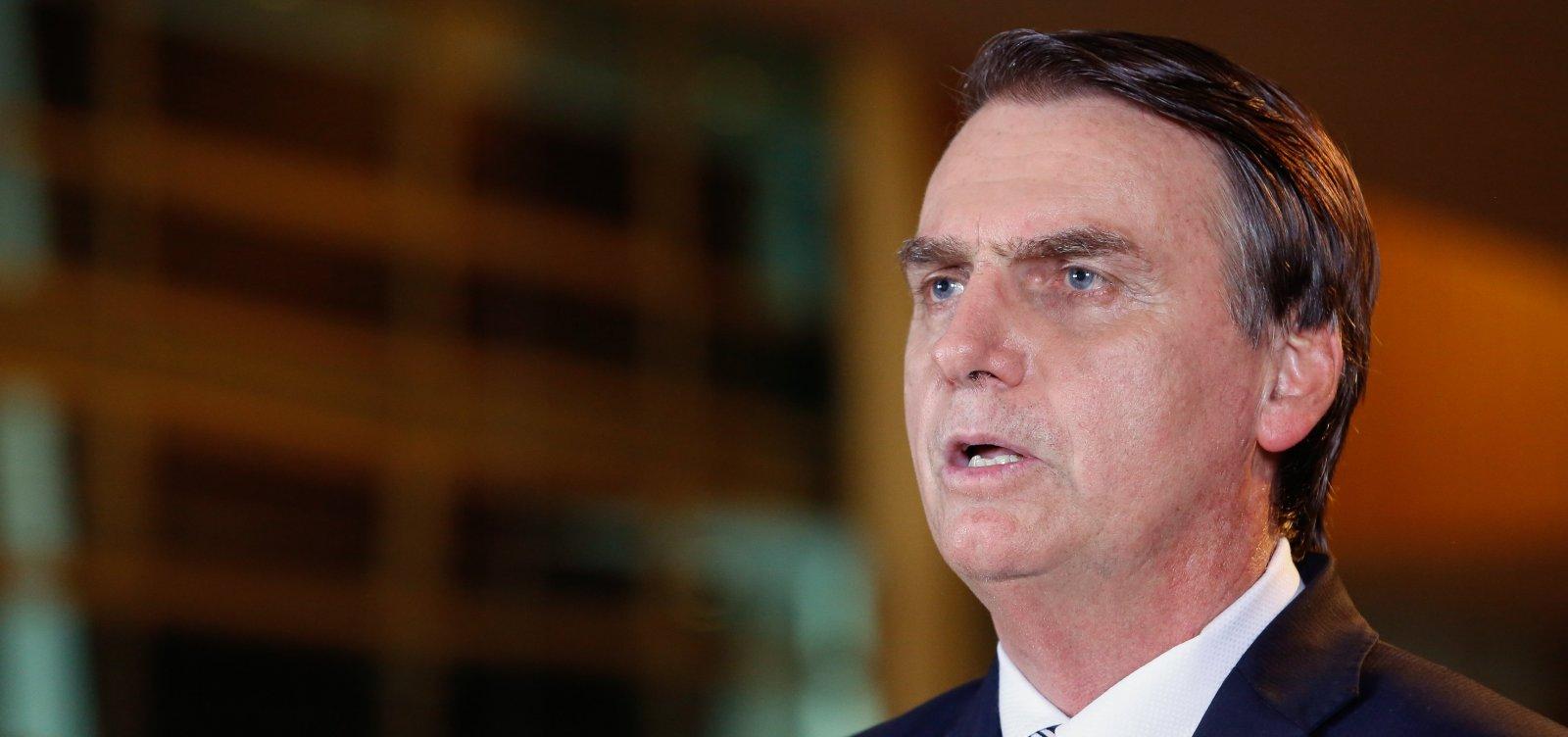 Bolsonaro diz que povo não consegue mais ficar dentro de casa