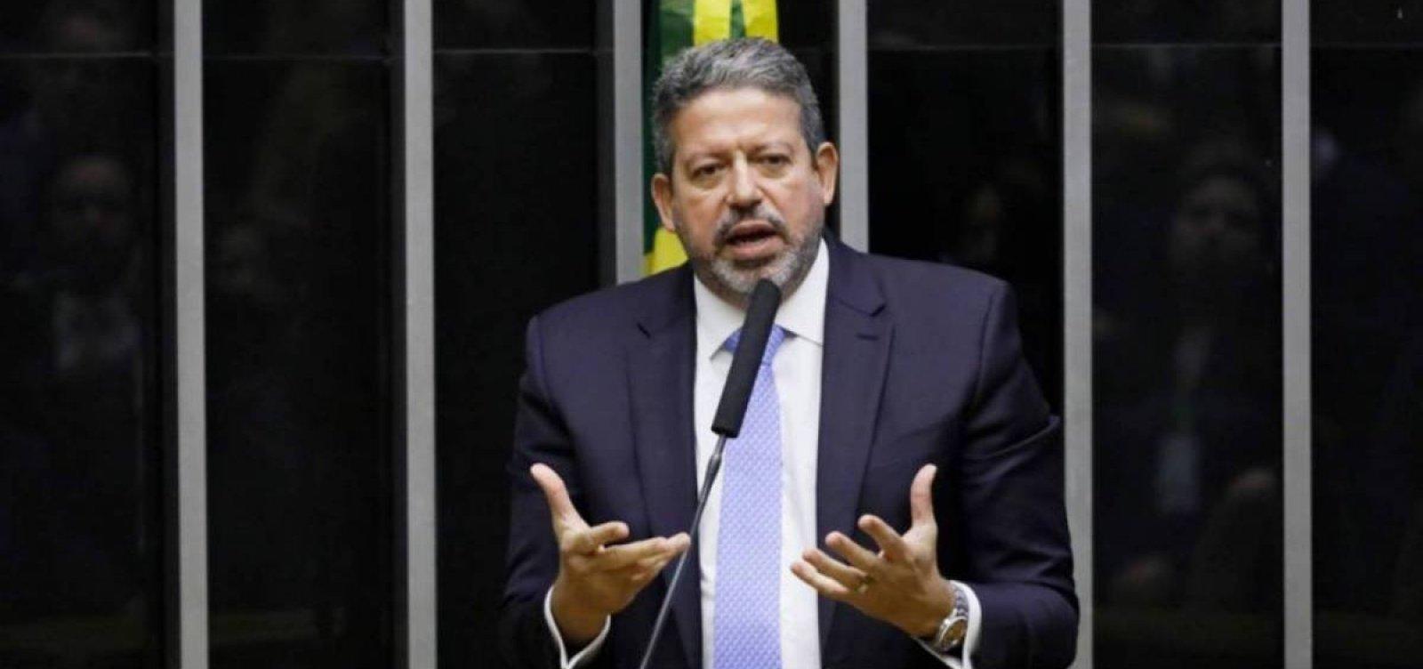 [Lira chama governadores para diálogo sobre pandemia após Bolsonaro atacar medidas restritivas]