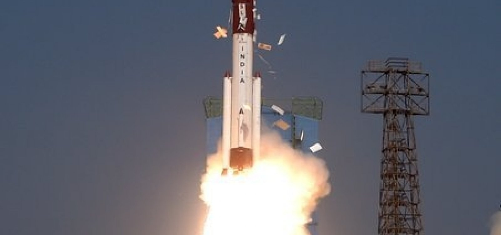 [Primeiro satélite feito totalmente no Brasil, Amazônia 1 é lançado no espaço ]