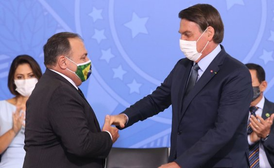 [Impedido por Bolsonaro, Ministério da Saúde nega medida nacional contra Covid-19]
